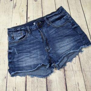 KanCan Distressed Denim Shorts w 11 29